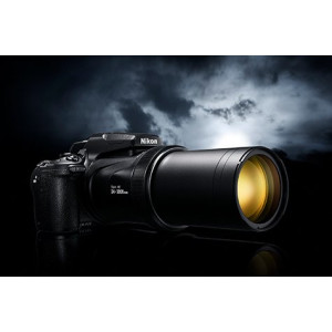 Компания Nikon выпустила новую камеру-«телескоп» COOLPIX P1000 МЕГАЗУМ