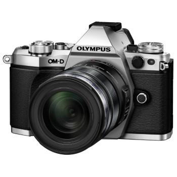 Фотокамера Olympus E-M5II Kit 14-150mm II silver/black incl. Charger + Battery + Lens Hood